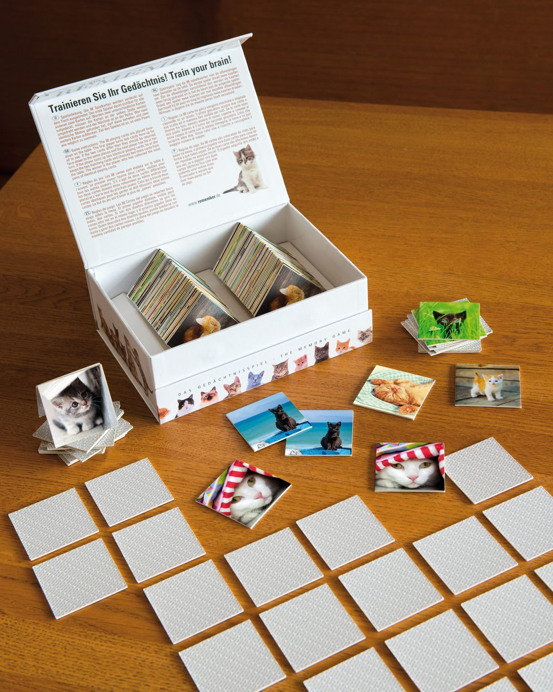 remember memory game with cat pictures